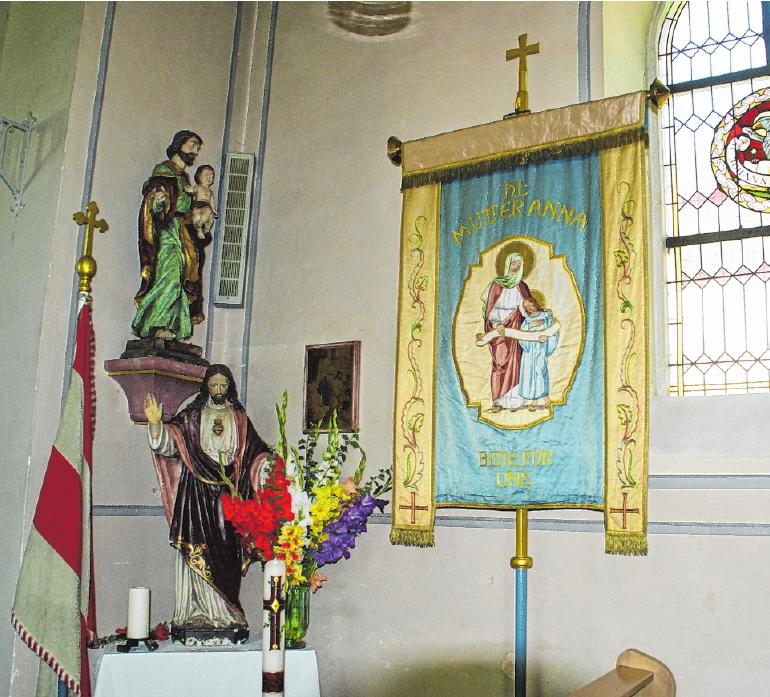 Blick in das Innere der St.-Anna-Kirche. Viele Neuschleichacher Bewohner fühlen sich der Heiligen Anna besonders verbunden. FOTO: SABINE WEINBEER
