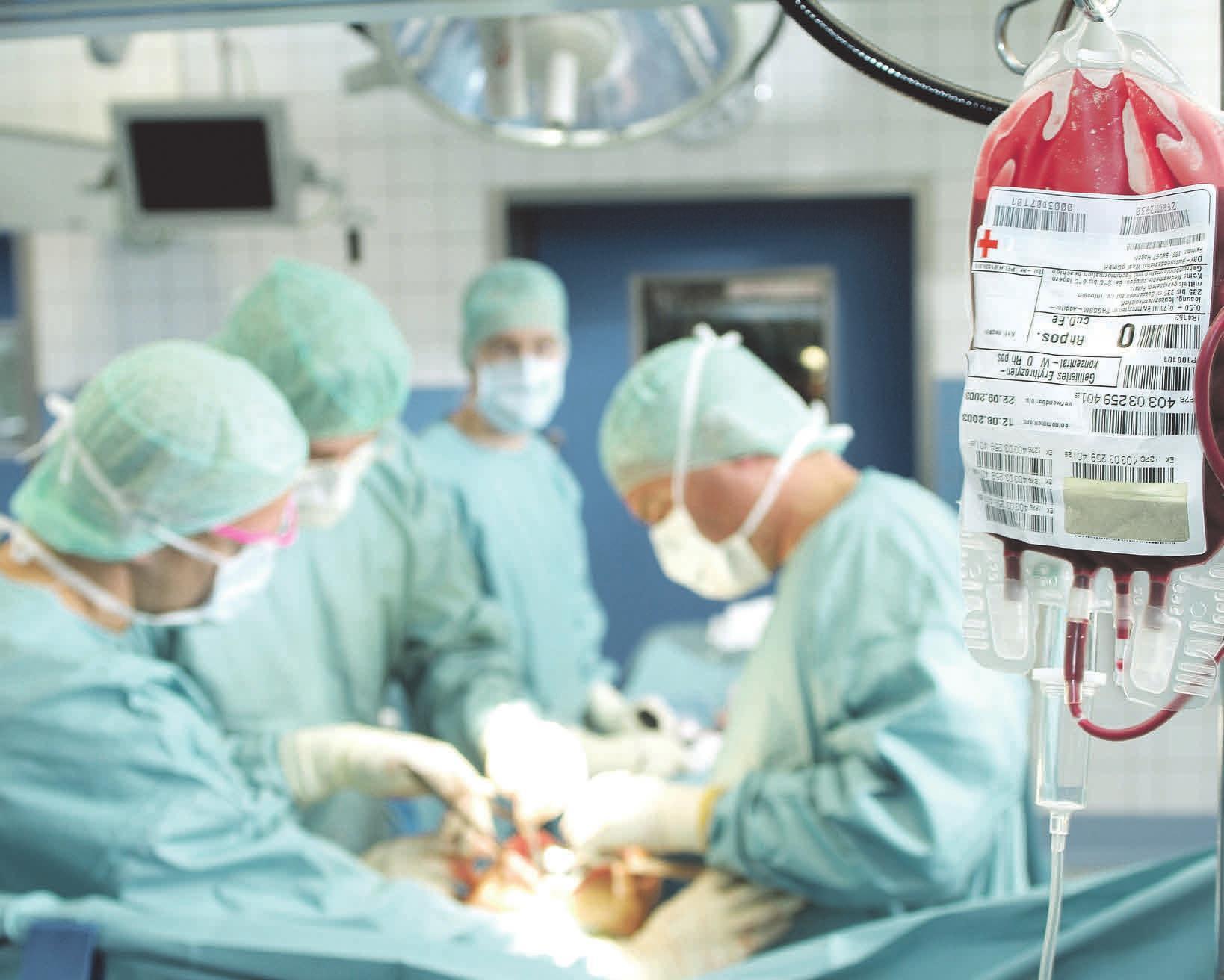 Die Spenden werden in den Krankenhäusern für die unterschiedlichsten Therapien eingesetzt – Unfälle stehen dabei an vierter Stelle. Foto blutspende-west.de