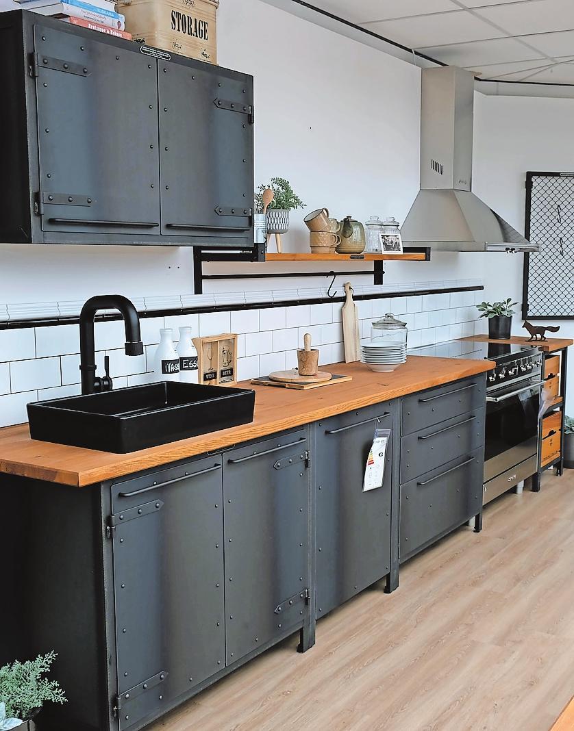 Riesengroßes Angebot: StrohmeierGilb Küchenwelt. FOTO: TKN