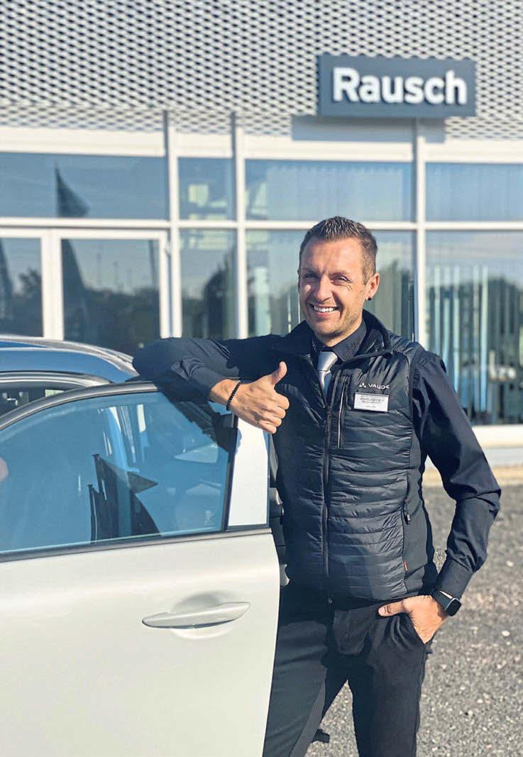 Das Team vom Autozentrum Rausch ist vom neuen MX-30 begeistert