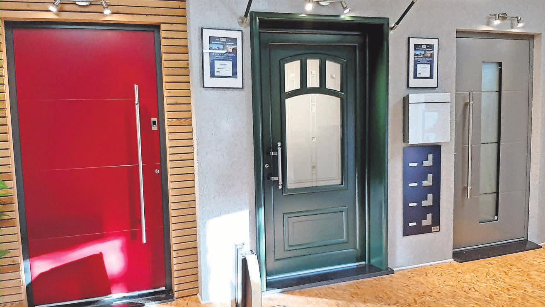 Hochwertige Hauseingangstüren von KOMPOtherm vereinen Sicherheit und Ästhetik.