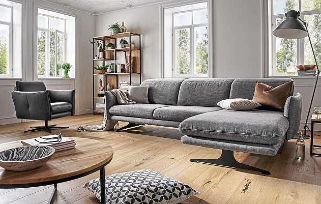 Auch stilvolle Polstermöbel von Natura Burnett gehören zum umfangreichen Sortiment bei Dela Möbel.FOTO: NATURA BURNETT