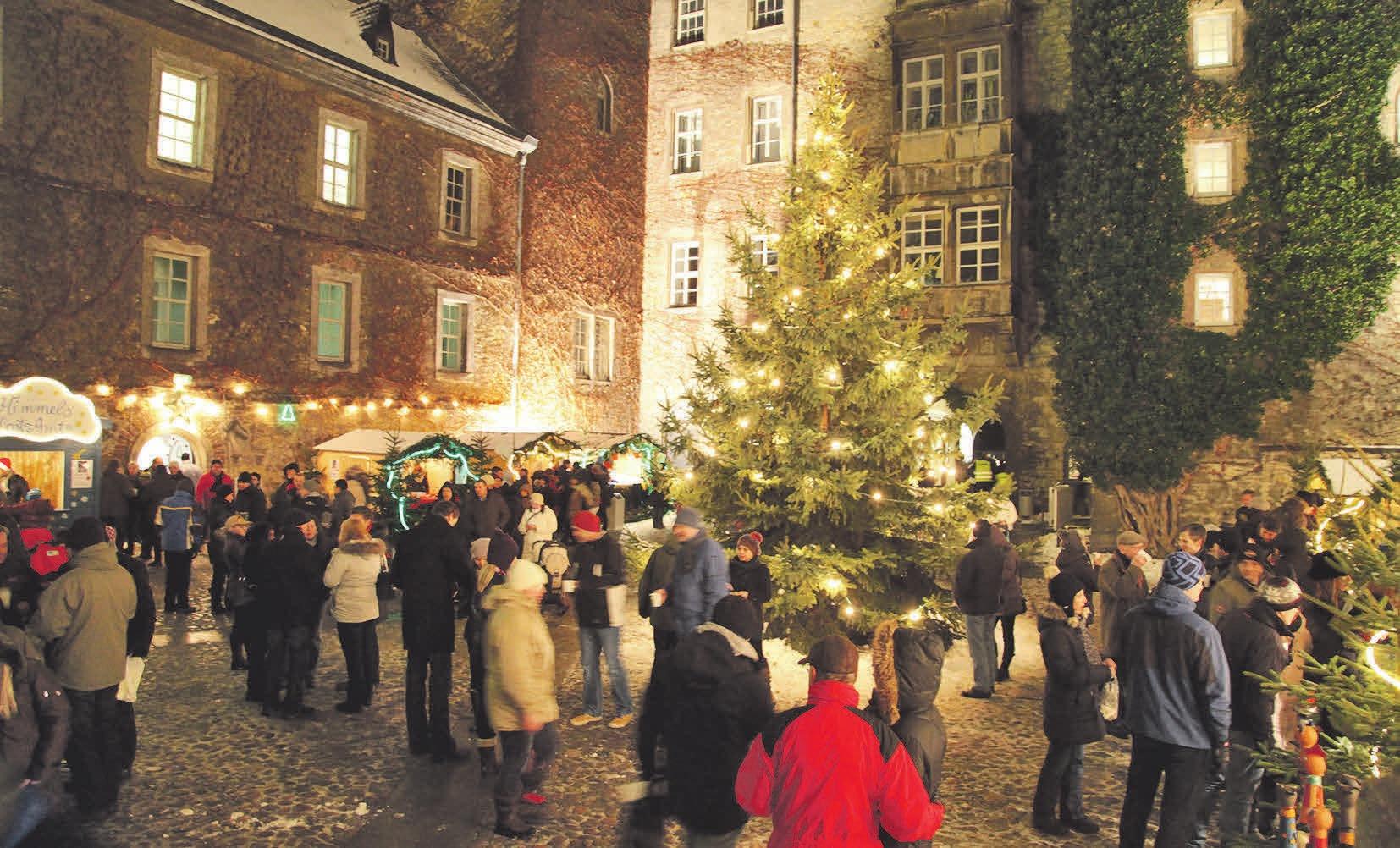 Vor der malerischen Kulisse des alten Schlossen könnten die Besucher stöbern, staunen und genießen. Photowerk