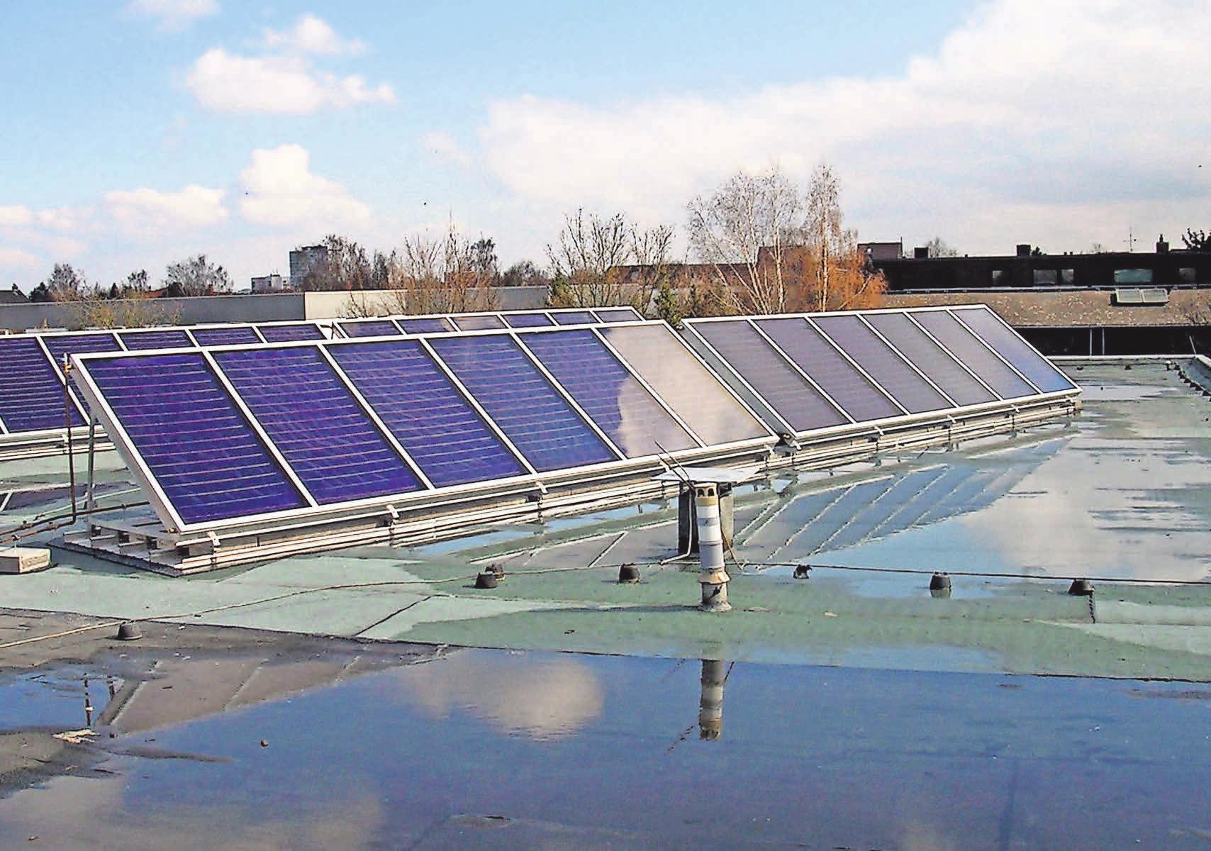 Solaranlagen sind ein zukunftsträchtiges Thema, mit dem sich das Team der Ernst Martin & Co. GmbH beschäftigt.