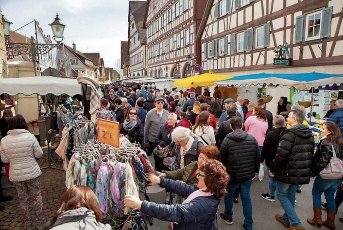 Der Ostermontagsmarkt in Dornstetten ist Jahr für Jahr ein beliebtes Ausflugsziel. Bilder: Olaf Salm