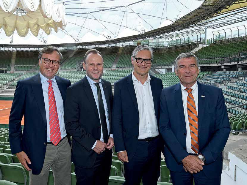 Die vier Topgesetzten am Rothenbaum v.l.: Dr. Carsten Lütten, Andy Grote, Alexander Otto und Ulrich Klaus. Foto: Witters/DTB