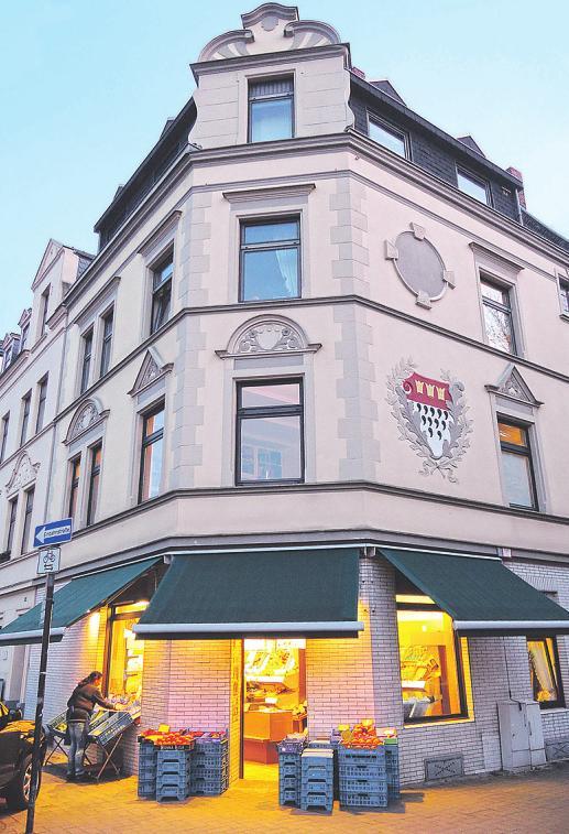 Der Platz ist umsäumt von vielen Gründerzeit-Bauten Bild: Burger