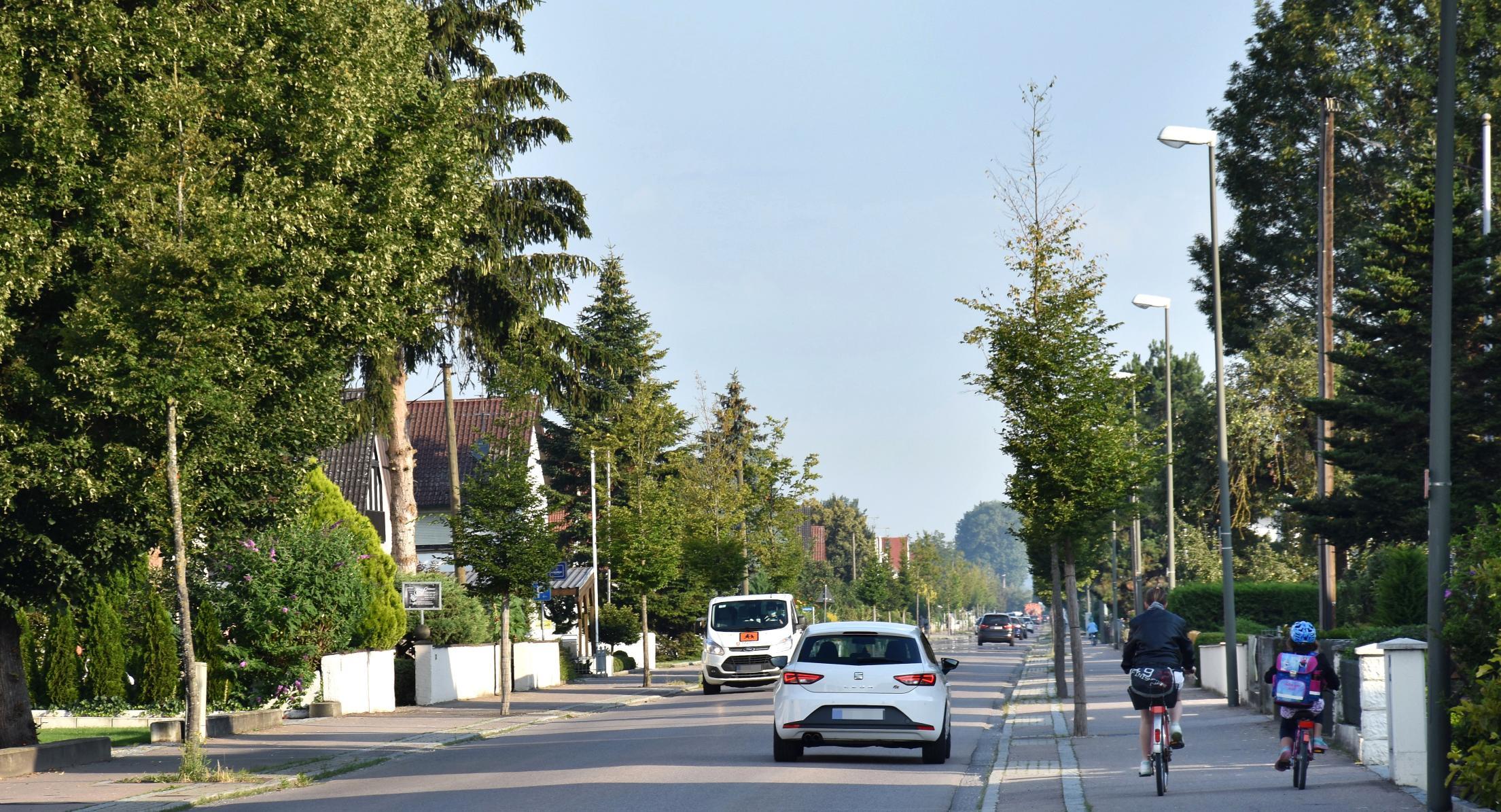 Die Länge hat es in sich: Die Ortsdurchfahrt in Karlshuld zieht sich über fast sechs Kilometern hin.