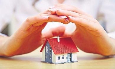 Finanziell sicher ins neue Eigenheimkommen: Dabei sollte man die Baunebenkosten realistisch einschätzen. FOTOS: DJD/SCHUTZGEMEINSCHAFT FÜR BAUFINANZIERENDE/SHUTTERSTOCK
