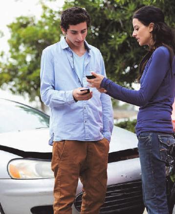 Im Fall der Fälle hilft eine Schaden-App, dem Versicherer schnell alle wichtigen Informationen zu übermitteln. FOTO:CATHY YEULET/123RF.COM/ BARMENIA/TXN