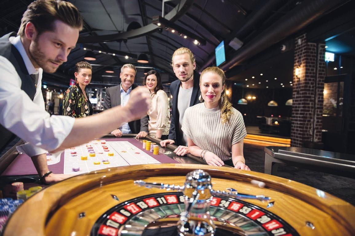 Wer möchte, darf in der Silvesternacht auch ein richtiges Spielchen beispielsweise am Roulette-Tisch machen Foto: Casino Schenefeld