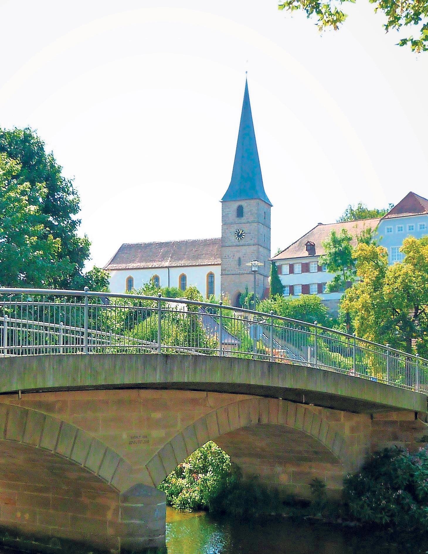 Das Wahrzeichen Lanzendorfs: die St.-Gallus-Kirche. Ihr zu Ehren wird in den kommenden Tagen Kerwa gefeiert.