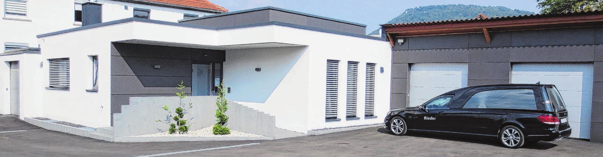 Der Neubau des Bestattungsunternehmens Rieder ermöglicht einen Rundum-Service unter einem Dach.