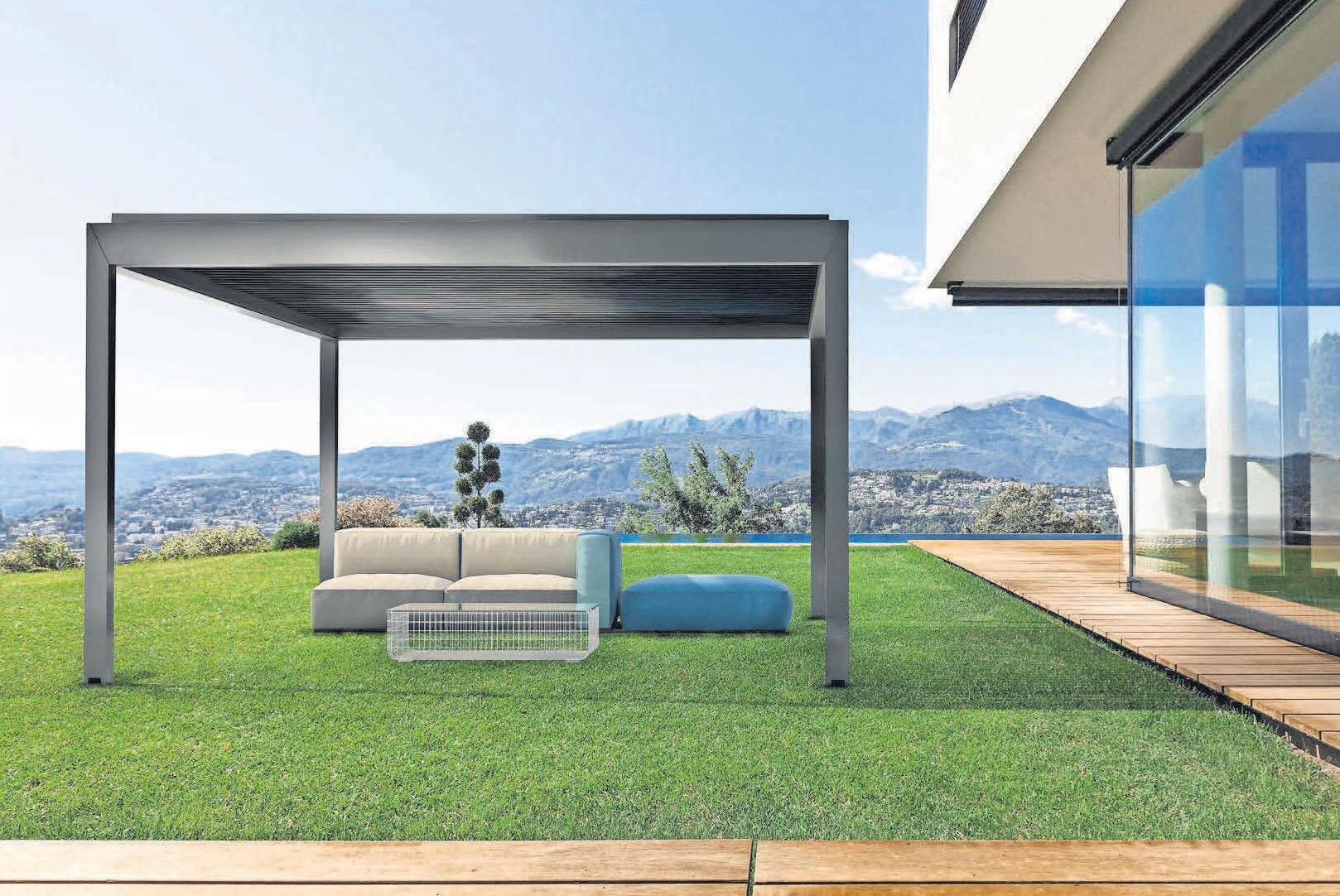 Mit dem QUBE Lamellendach bietet die Tischlerei Othmer Outdoorkomfort für das ganze Jahr.