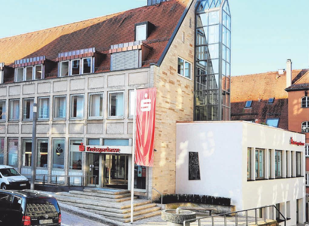 Nach einer gut einjährigen Umbauzeit präsentiert sich die Sparkassenfiliale in Ellwangen nun in einem völlig neuen und modernen Stil.