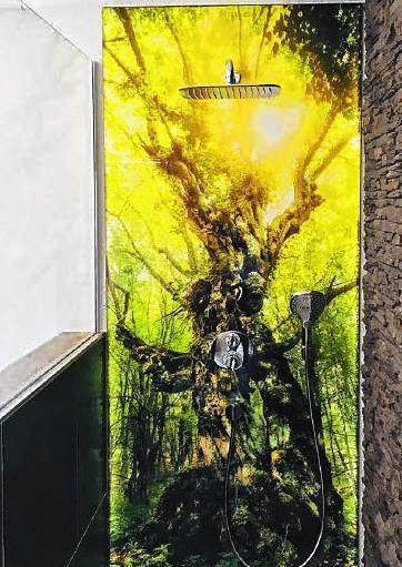 Alle Motive lässt die illuminierte Wandverkleidung PanElle Enligth zu.FOTO: DUSCHOLUX