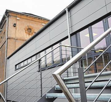 Moderne Architektur harmoniert hier mit älteren Gebäuden.