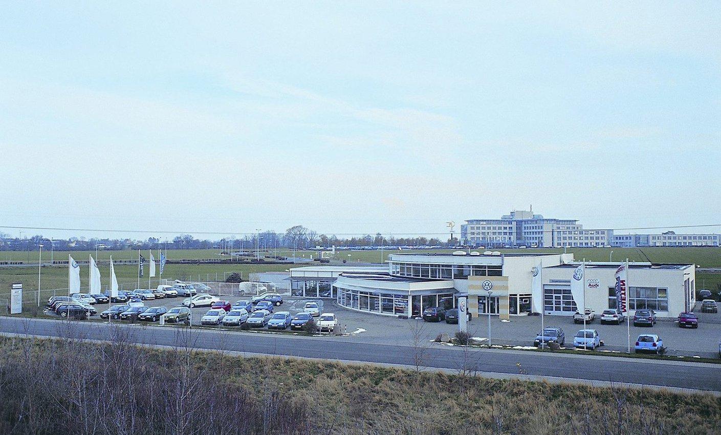 Das Autohaus Böhme in Gröbers. FOTO: PRIVAT