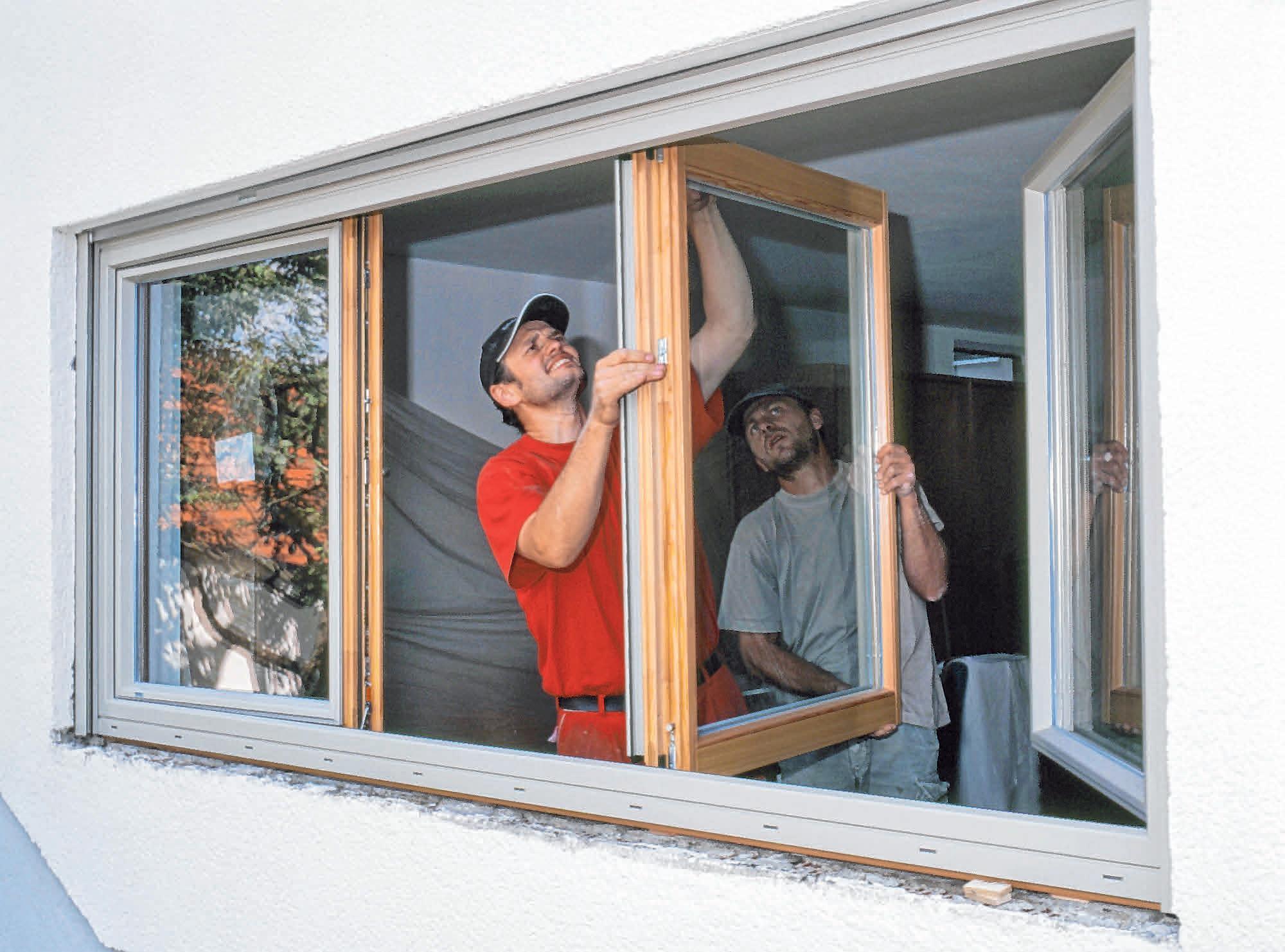 Neue Fenster verändern die Optik des Hauses. FOTO: VFF BAYERWALD