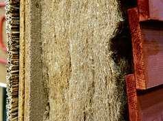 Hanf ist eine natürliche Dämm-Alternative zu Styropor. FOTO: PICTURE ALLIANCE/ ANDREA WARNECKE