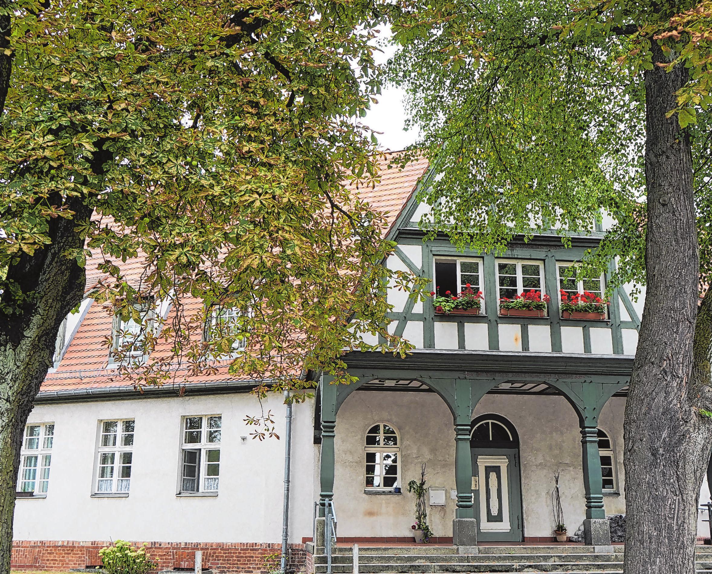 Im Innenhof zwischen der Wichern-Wohnstätte und dem Haus der Begegnung finden am Sonnabend Konzerte und ein Trödelmarkt statt.