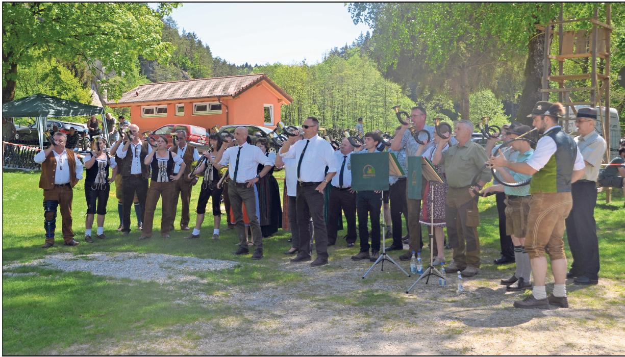 Darf beim alljährlichen Grillfest der Jägervereinigung Pegnitz nicht fehlen: Das Standkonzert der Jagdhornbläser. Fotos: priva