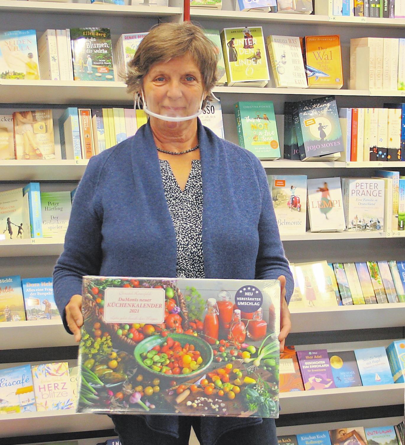 Maike Woltering und ihre Kolleginnen sorgen für aktuellen Lesestoff und schöne Geschenke.