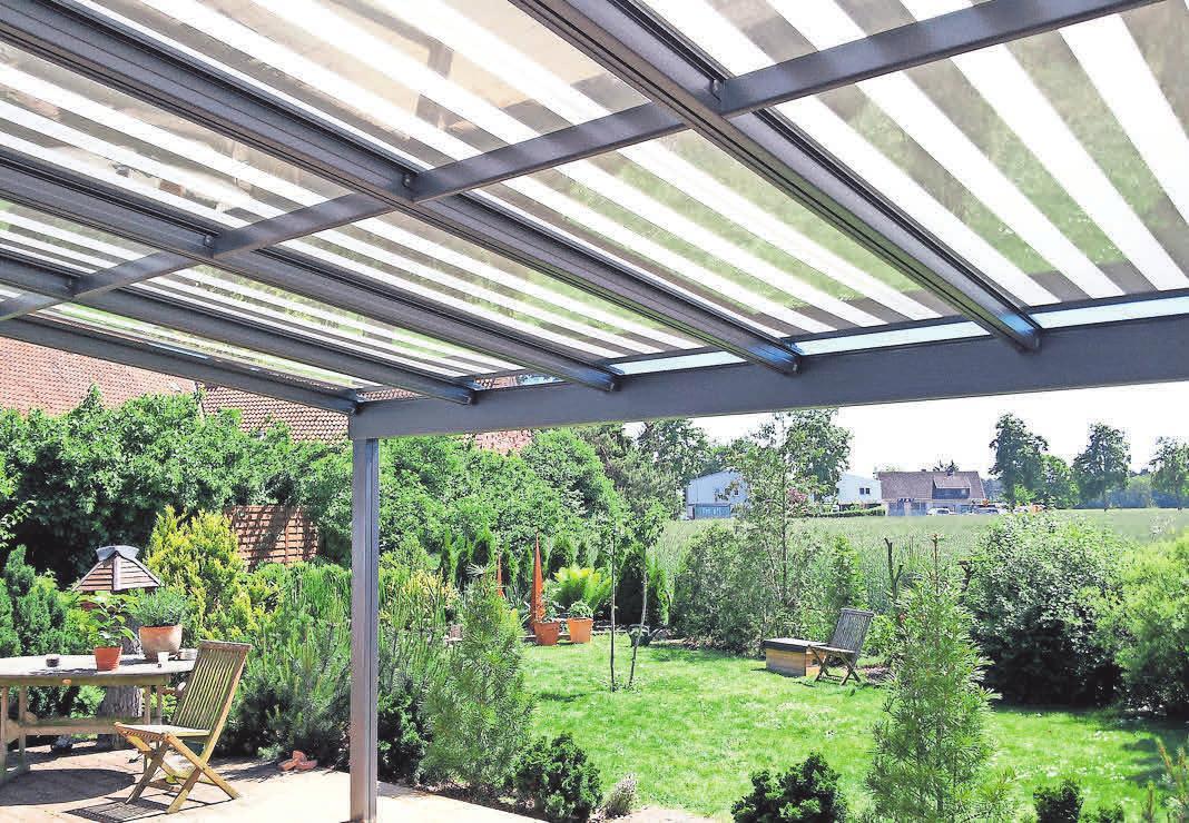 Glasdachsysteme sorgen für Schutz auf der Terrasse und im Garten.