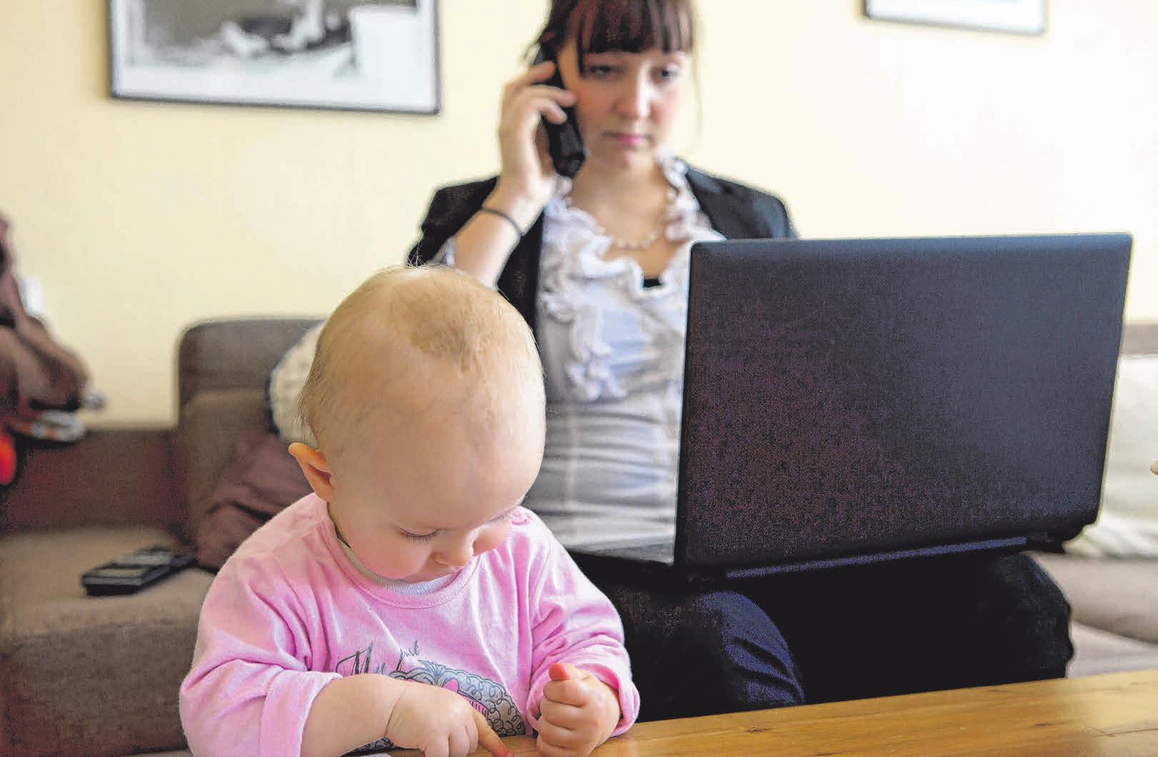 Um Kind und Lehre unter einen Hut zu bringen, kann eine Ausbildung mit reduzierter Stundenanzahl eine Möglichkeit sein. Foto: Silvia Marks/Archiv