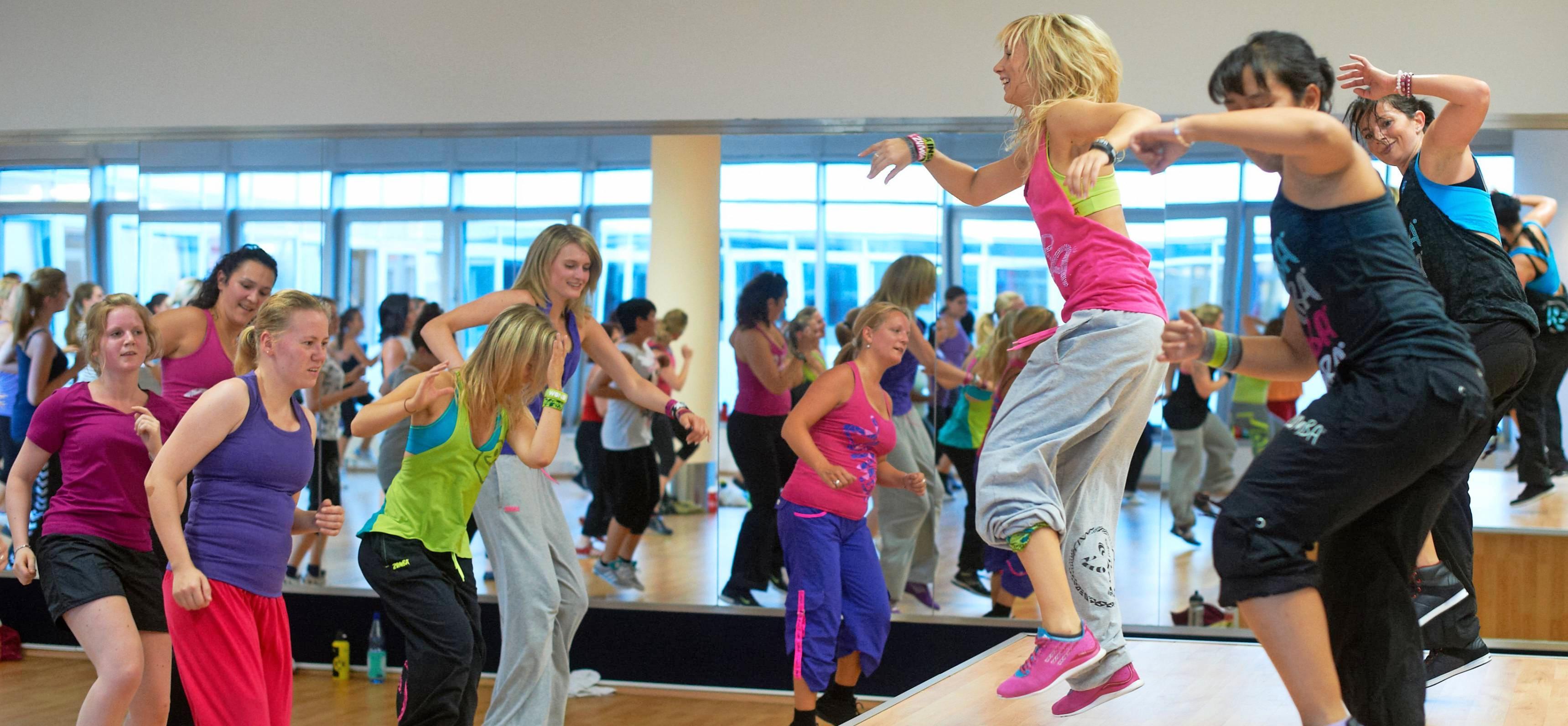 Ob im Studio oder im Verein, ob Zumba oder Bokwa: Tanzen macht Spaß und hält fit, finden viele Leute. Vor allem bei Frauen ist diese Art, Sport zu treiben, äußerst beliebt. Foto: dpa