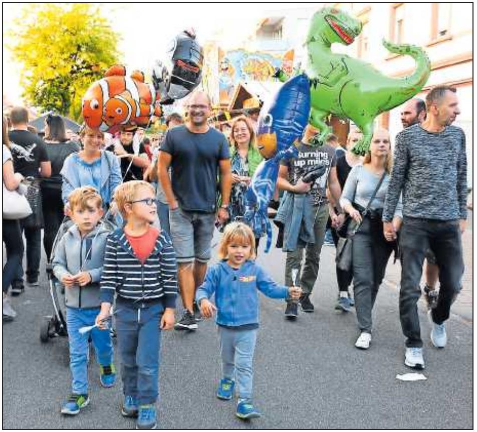 Spaß für die ganze Familie bietet das gesellige und vielfältige Straßenfest in Limburgerhof.ARCHIVFOTO: LENZ