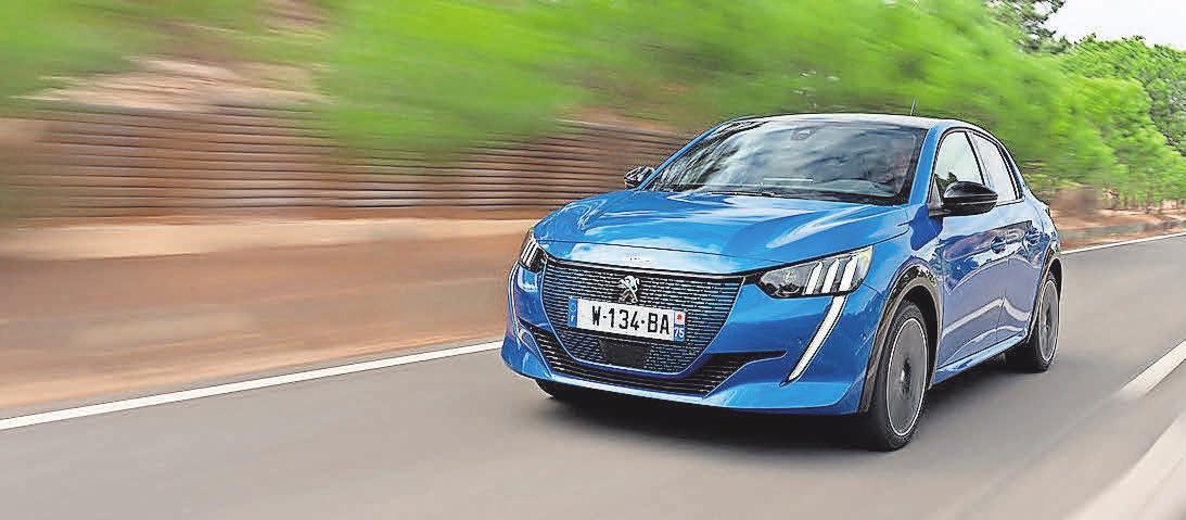 Fahrspaß pur mit dem vollelektrischen Peugeot e208. Foto: Peugeot