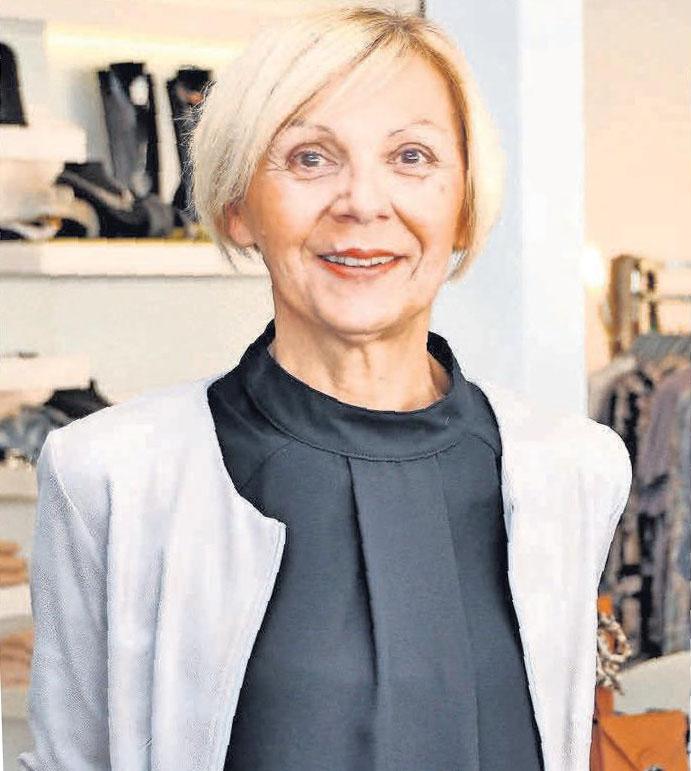 Inhaberin Gabriele Fiedler-Ksiazyk von Gabys Mode am Markt freut sich auf viele Besucher.