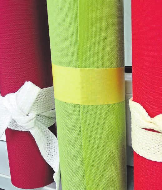 Eine Vielzahl qualitativ hochwertiger Stoffe steht zur Auswahl.