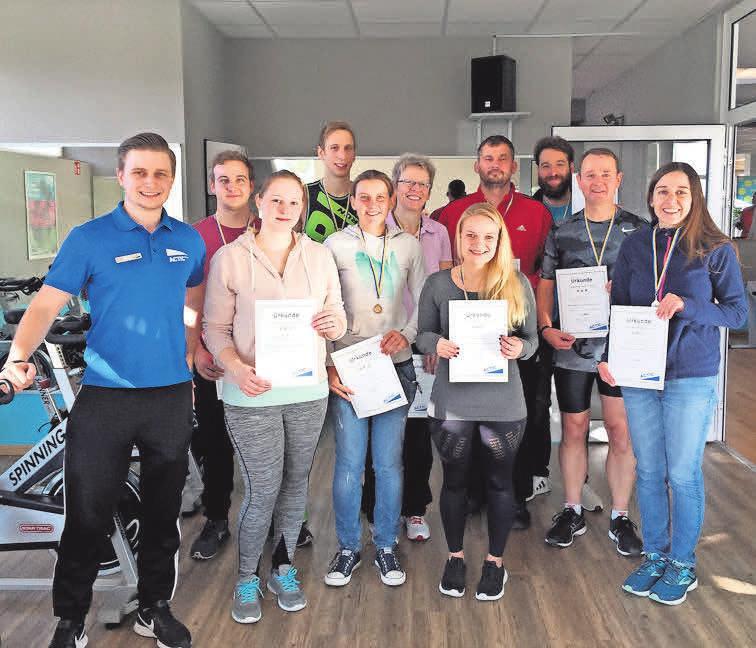 Wer den Gewinnern des Lehrter Indoor Triathlons 2018 (im Foto) nachfolgen wird, entscheidet sich am 9. November.