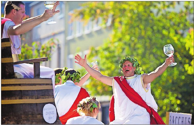 Typisch Pfalz: Weingott auf dem Deutschen Weinlesefest. Foto: Gliglag.de/frei