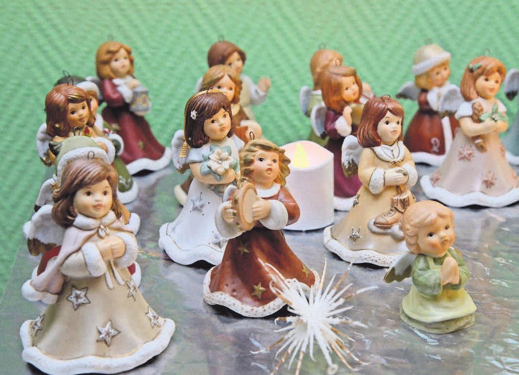 Bei der Auswahl der Porzellan-Engel achten die Stoefers darauf, dass sie gut miteinander harmonieren.