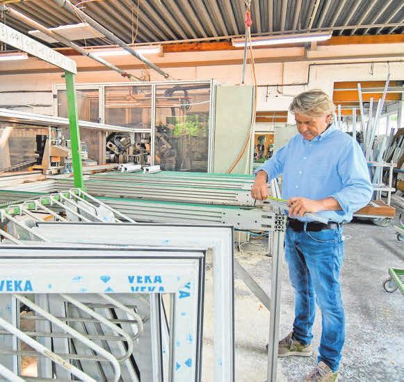 Top-Qualität: Die Produkte des Hauses fertigt der Diplom-Ingenieur Torsten Robering mit seinem gut ausgebildeten Team in seiner Werkstatt im Rethener Gewerbegebiet an.