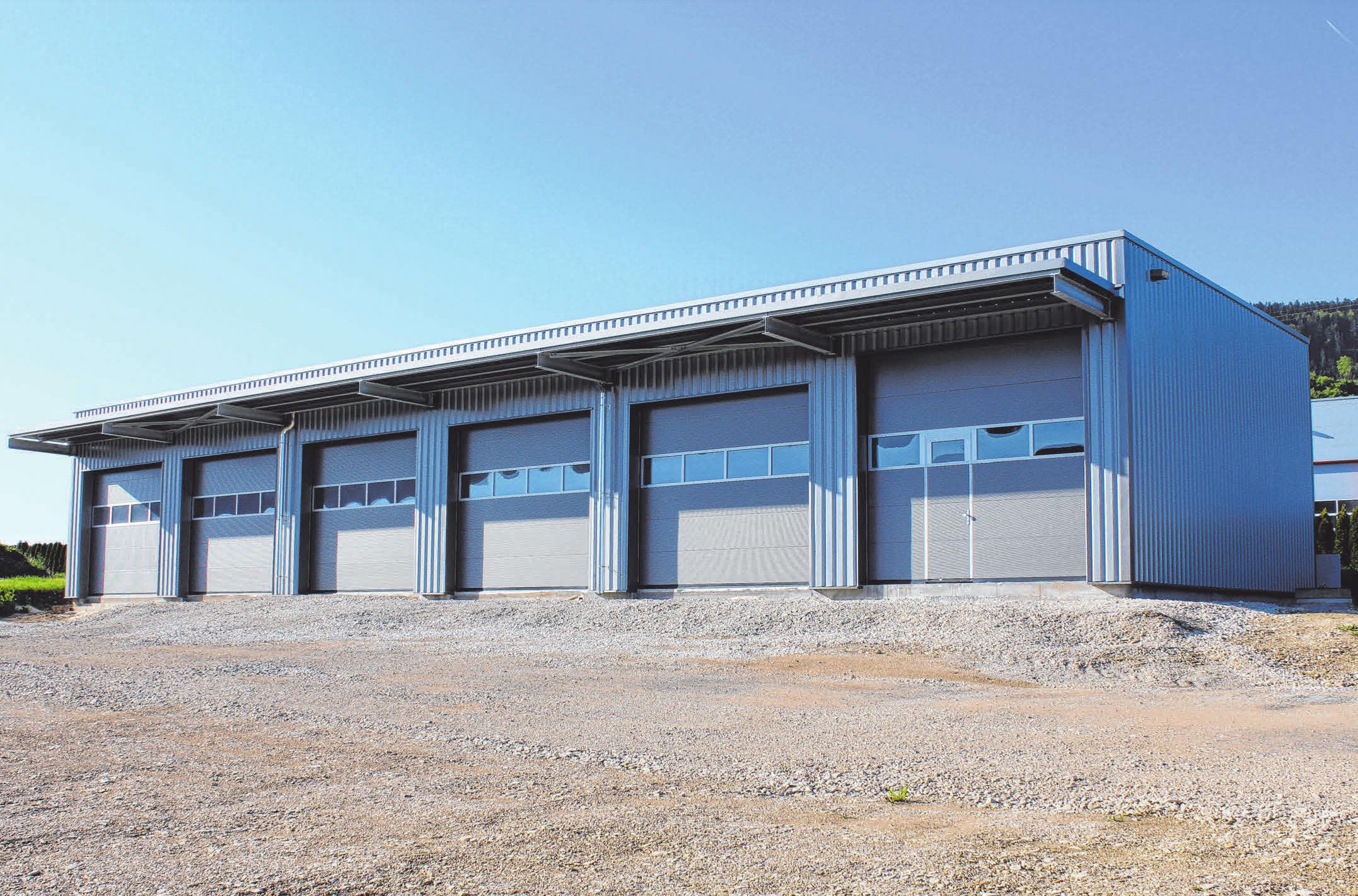 Ein neuer Garagenkomplex ist zusätzlich zur Produktionshallen-Erweiterung entstanden. FOTOS: GRIMM / KETTERER