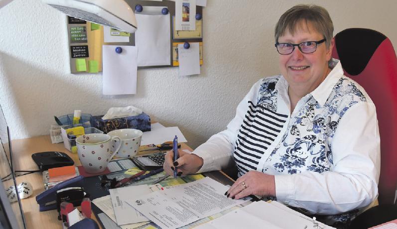 Bärbel Oschmann fühlt sich wohl bei der Vereinigten Lohnsteuerhilfe e. V. und die große Nachfrage spricht für ein erfolgreiches Unternehmen. Foto: Inez Bandoly