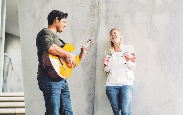 Mit dem Duo Klaroscuro geht es auf eine musikalische Weltreise. Fotos: cp