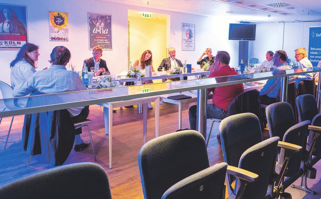 In der Lanxess-Arena diskutierten die Vertreter aus dem Kulturbereich über ihre Erfahrungen während der Pandemie und ihre Hoffnungen für die Zukunft Bild: Thomas Banneyer