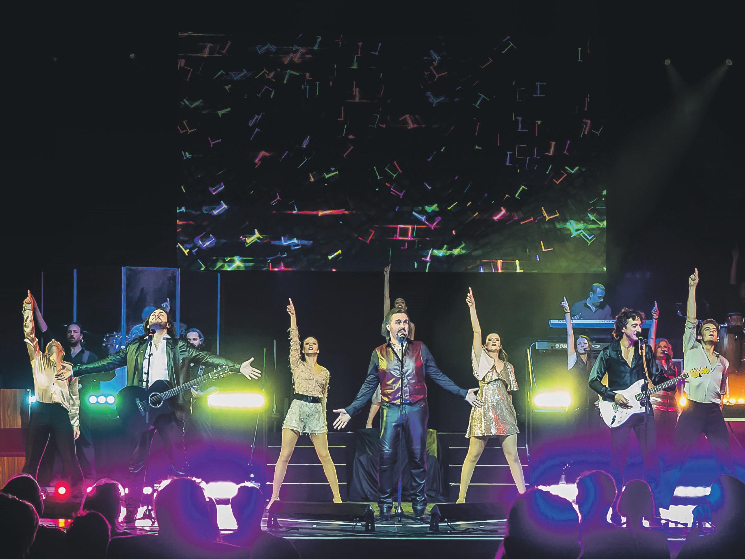 Eine mitreißende Performance versprechen die Sänger und Musiker im Bee Gees Musical