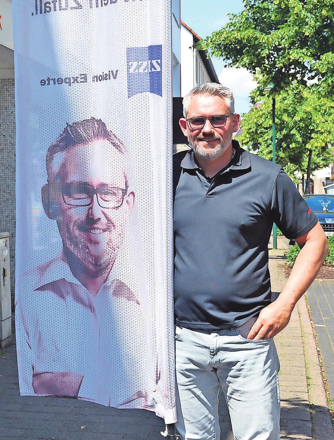 Marc Schröder von Döring Optik hat sich besondere Rabattaktionen für seine Kunden überlegt.