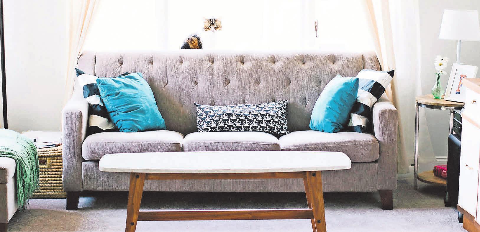 Zwei- oder Dreisitzer sind in kleinen Wohnungen die perfekte Sitzgelegenheit.