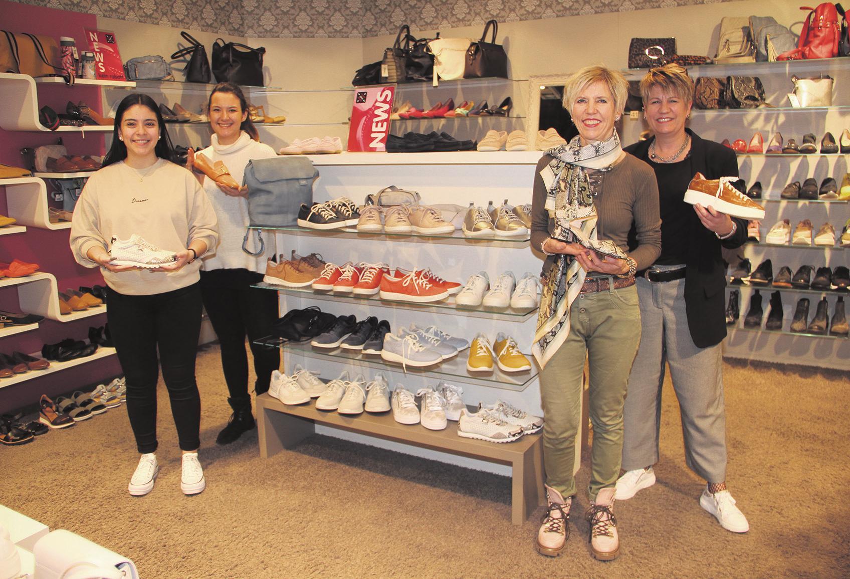 Ein kompetentes Team: (v. l.) Marianna Dos Santos, Celina Aumer, Mirjam Stauber und Erika Barth-Wehrli. Bild: Carolin Frei