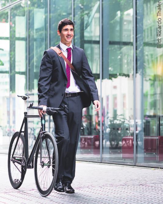 Zum nächsten Geschäftstermin mit dem E-Bike. Eine emissionsfreie Alternative ohne lästige Parkplatzsuche Bild: Ricardo Thaler/stock.adobe.com