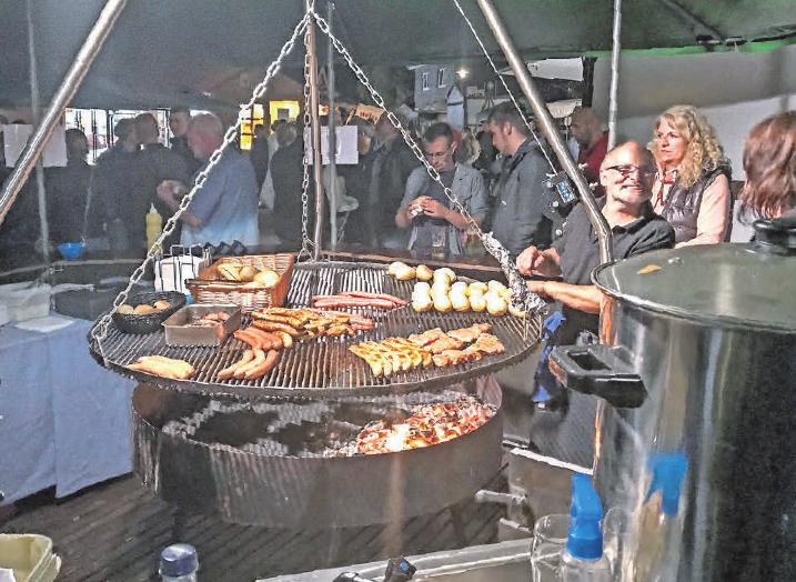 Die Cineasten in Burgdorf dürfen sich auf amerikanische Spezialitäten, aber auch auf klassische Bratwurst und Steaks vom Grill freuen.