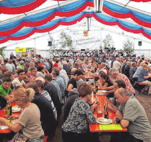 Großer Zeltflohmarkt am Freitag ab 16 Uhr Image 1