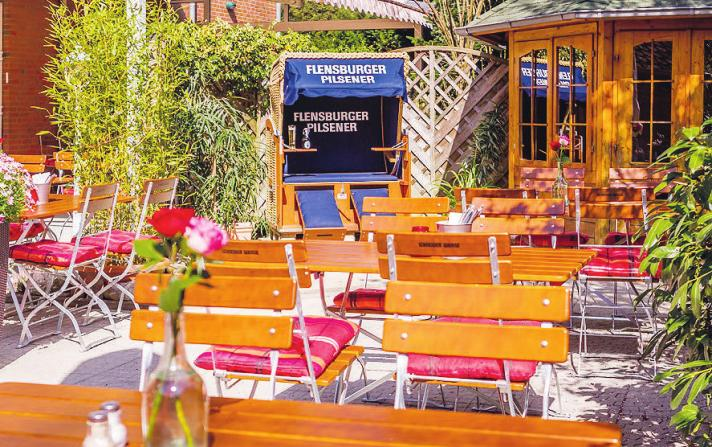 """Im Hotelrestaurant """"Krupunder Park"""" gibt es für die Gäste zahlreiche Plätze an der frischen Luft"""